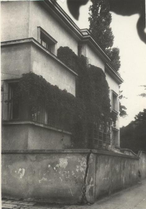 Bibliotekos pastatas Vytauto gatvėje